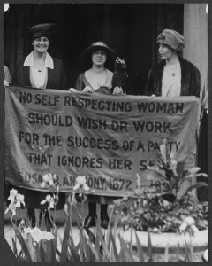 Suffragists_at_1920_Republican_Convention