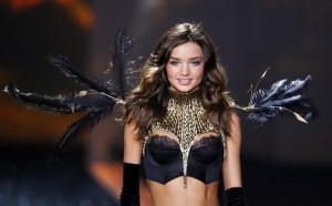 miranda-kerr-victoras-secret-fashion-show-750x466