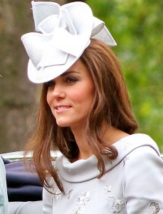 459px-Kate_Duchess_Cambridge_2012