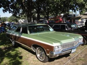 800px-Flickr_-_DVS1mn_-_70_Chevrolet_Kingswood_Estate_(1)